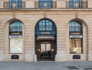 луксозни стоки и услуги